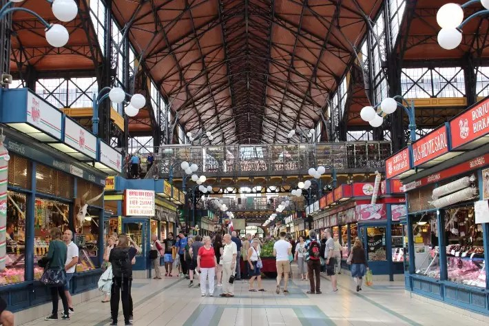 Great Market Hall, things to do in budapest, what to do in budapest, what to eat in budapest, hungary