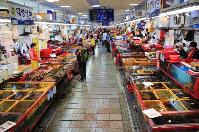 Jalgachi market | What to to Do, See and Eat in Busan Korea