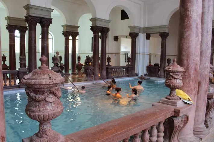 Szechenyi baths in budapest, things to do in budapest, what to do in budapest, what to eat in budapest, hungary
