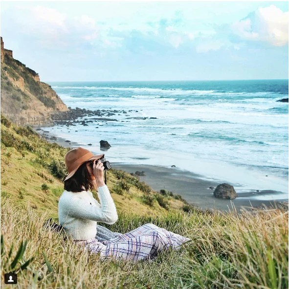 taramilktea_muriwai beach_new zealand