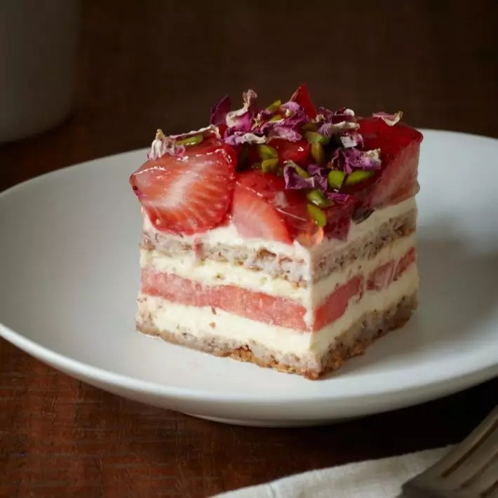 blackstar pastry strawberry watermelon cake, what to eat in sydney, food in sydney, sydney must eat