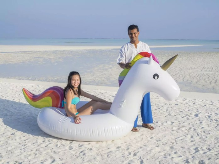 Maldives COMO Hotel Cocoa Island friendly maldivians
