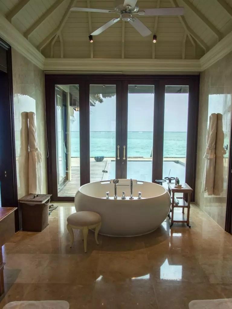 taj-exotica-maldives-Deluxe-Beach-Villa-with-Pool-bathtub