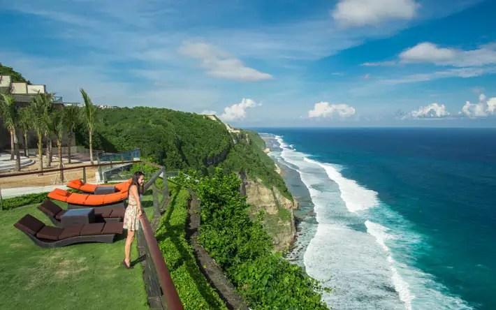 the-edge-spa-cliff-uluwatu