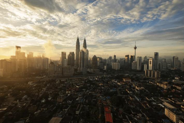 malaysia petronas towers solo travel asia