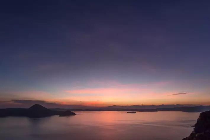 padar-island-sunrise-labuan bajo indonesia