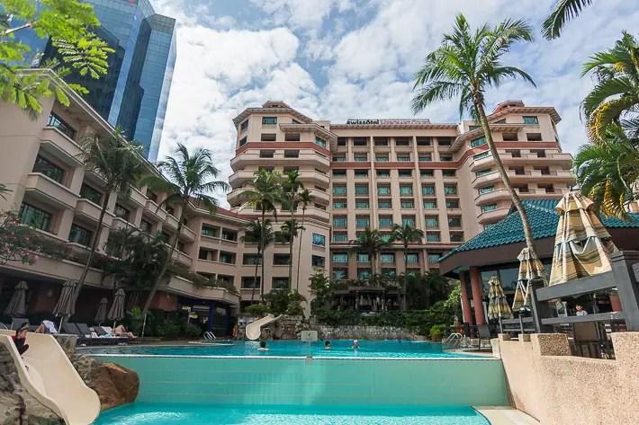 Premier-King-Room-Swissotel-Merchant-Court-Singapore