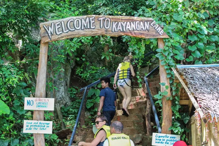 kayangan-lake-entrance-to-viewpoint-boat-coron-island-hopping-tour-palawan