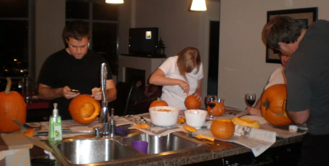 pumpkin-carving halloween