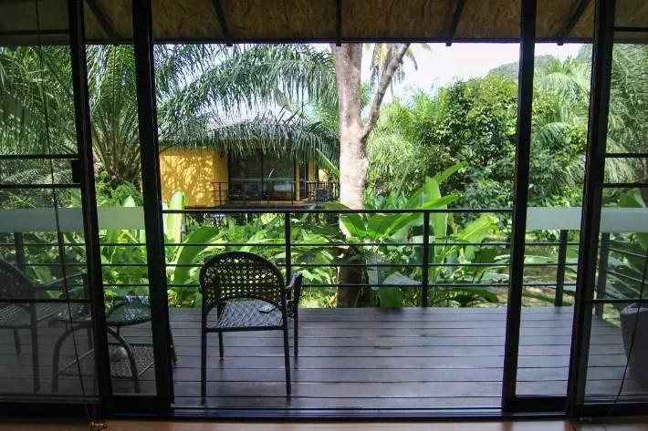 anurak community lodge khao sok national park balcony