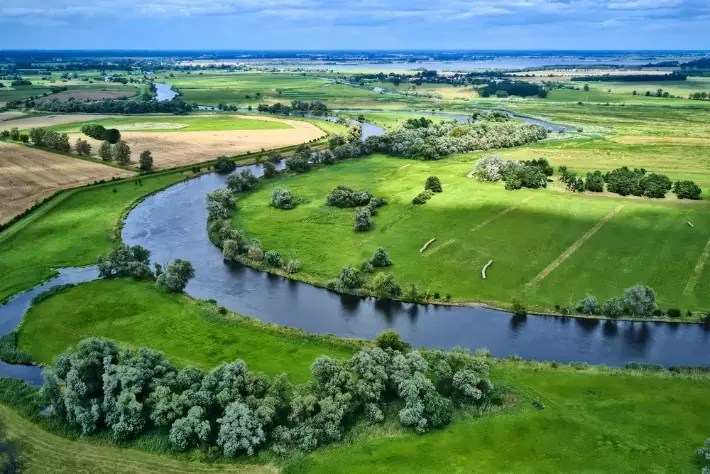 havelland-brandenburg-szymon-nitka-znajkraj; Best drones for travel