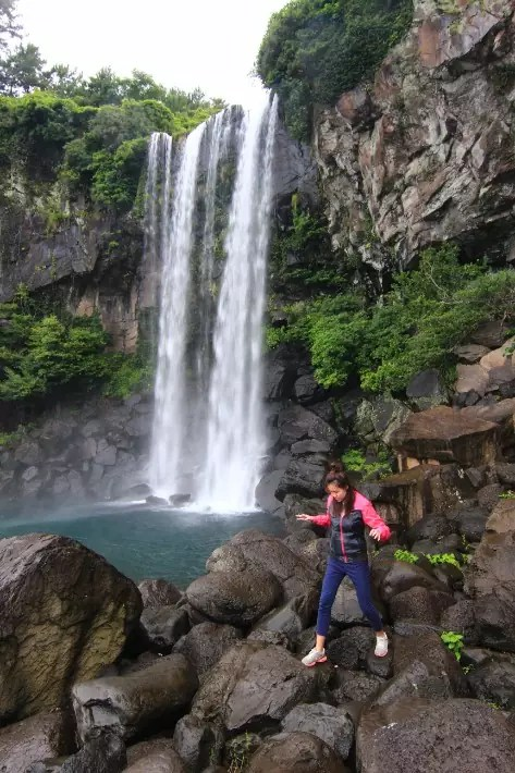 Jeongbang Falls (정방폭포), things to do in jeju island; what to do in jeju island, jeju island attractions