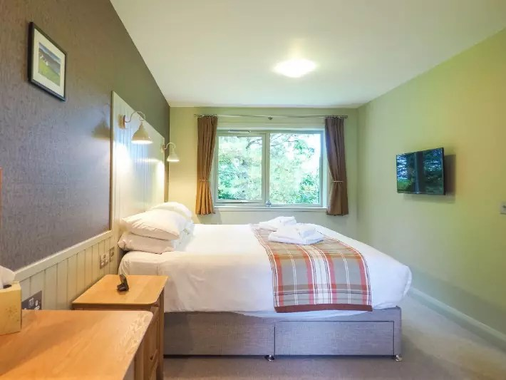 bedroom, glen nevis holidays luxury cottage, scotland itinerary