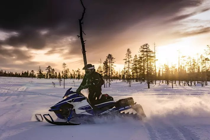 snowmobile,-Things-to-Do-in-Lapland,-where-is-lapland