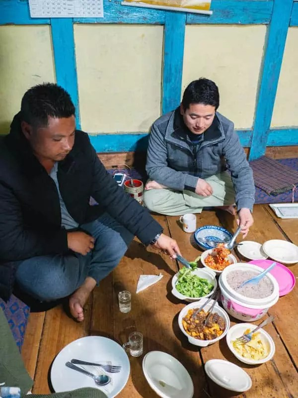 locals-eating-what-to-eat-in-bhutan
