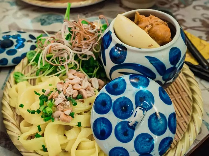 Quang noodles, what to eat in Da Nang, Vietnam
