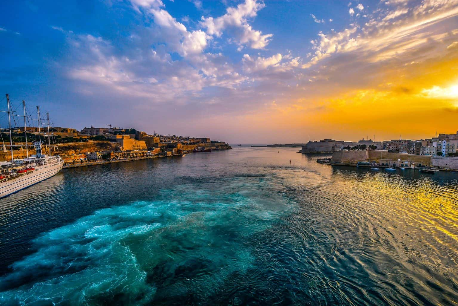 malta, where to stay in malta, best places to stay in malta