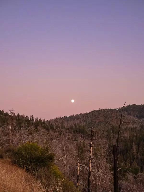 sunset-things-to-do-around-Yosemite-National-Park-Tuolumne-California