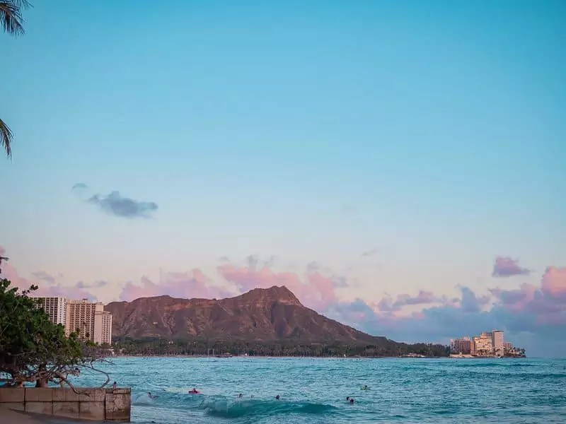 waikiki-oahu-honolulu-hawaii-sunset