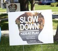 SlowDownSign