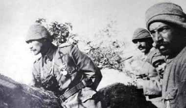 Polemik-7: Mustafa Kemal'in saatinin şarapnelle parçalandığı uydurma mı?