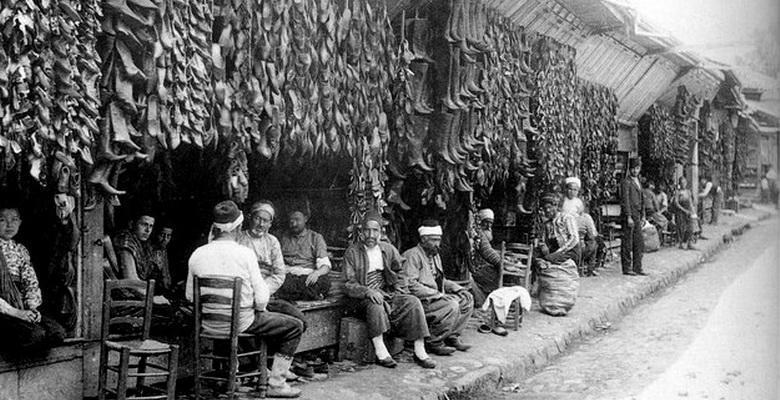 1925 Yılında Bursa'da Bir Haffaf Dükkânı