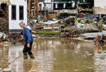 صورة يمكن للعمال المتضررين من الفيضانات المطالبة بالبطالة