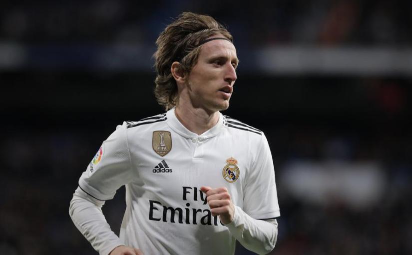 ريال مدريد يتفق مع مودريتش على تجديد تعاقده حتى ٢٠٢١