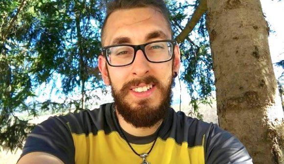 Michael Zani a Selinunte: l'Italia a piedi con 5€ in tasca