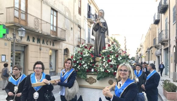 """A Castelvetrano, la processione per la """"Patrona dei Casi Impossibili"""""""