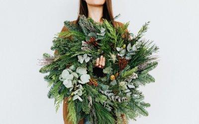 12 Easy DIY Holiday Wreaths