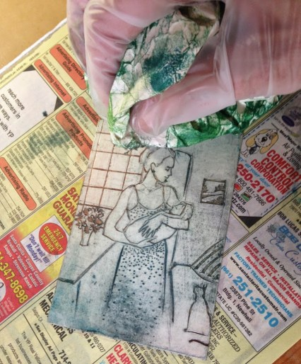 wiping-a-collagraph