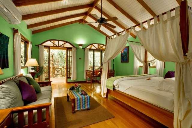 Hamanasi dive resort room