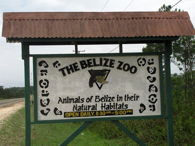 belize zoo entrance sign