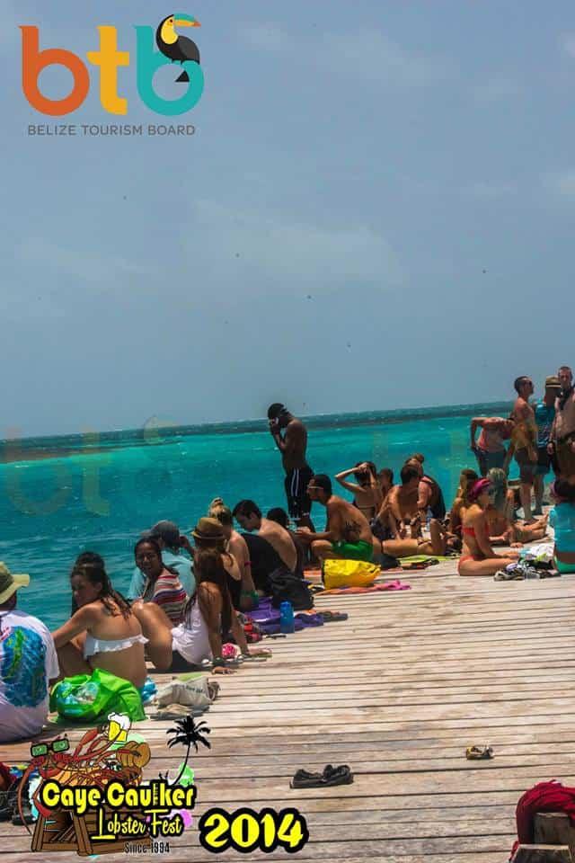 beach crowd in caye caulker