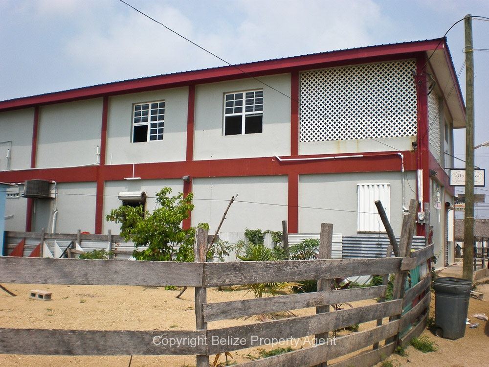 Belize Real EstateCommercial 2 story building at entrance to Dangriga for Sale or LEASE No1396