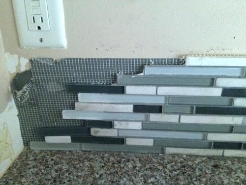 how to remove kitchen backsplash tiles