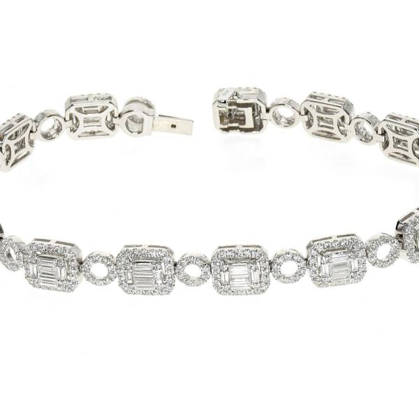 White gold bracelet with baguette and round diamonds