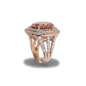 Gold ring with a large morganite gemstone
