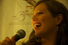 Elise Walsh sings jazz, blues and soul