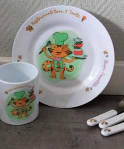 Kinderservies set - Giftset- Restaurant Oom & Tante - Kinderservies met naam - Geboorte cadeau - Gepersonaliseerde cadeaus - Naam cadeau