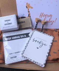 Cadeau set - Brievenbus cadeau pakket - invulboekje - Melk tanden doosje - Kraamcadeau - Kraam pakket - Cadeau pakket