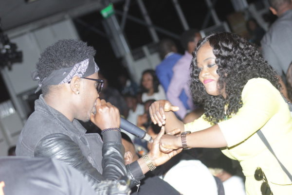57-Kiss Daniel and Helen Paul