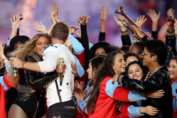 Super-Bowl-50-Beyonce-Coldplay-Mark-Ronson-February-2016-BellaNaija0005