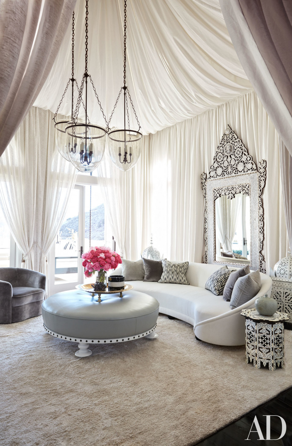 A Peek Inside Khlo and Kourtney Kardashians GORGEOUS Houses in the New Architectural Digest