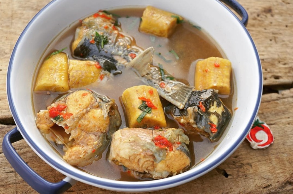 plantain-and-fish-pepper-soup-1qfoodplatter-bellanaija