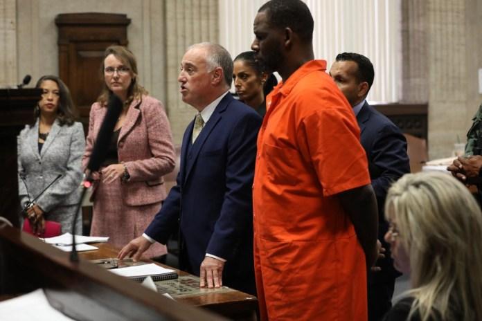 Judge Denies Motion to Increase R. Kelly's  Million Bond