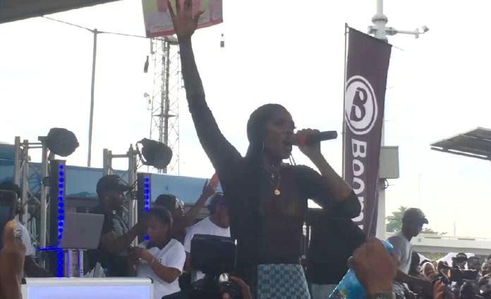 "Tiwa Savage Premieres ""49-99"" with an Energetic Performance at Obalende Bus Park, Lago   Watch"
