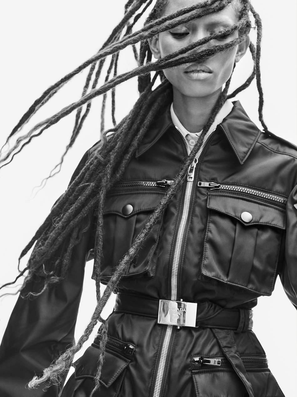 title Adesuwa Aighewi est la star du numéro de novembre 2019 du magazine Porter!