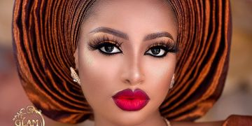 Dear Brides-to-be, Dont Sleep on This Matte Traditional Beauty Look